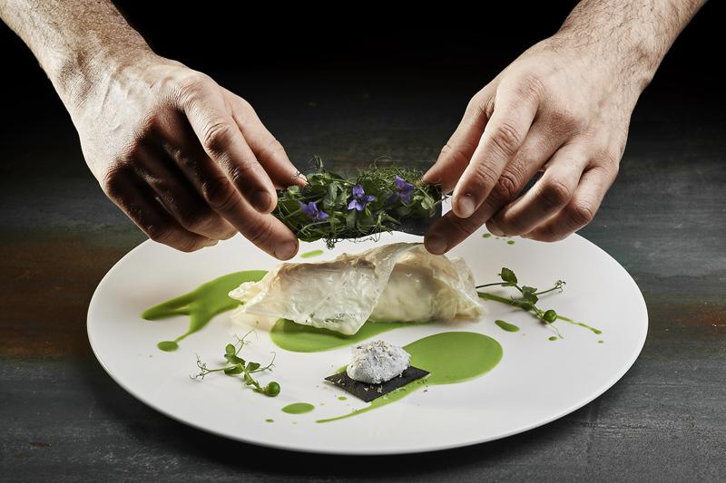 Edoardo Fumagalli - Whiting fillet, truffle rock, viennese and pea cream (Filetto di Merlano, tartufo, viennese e crema di piselli)