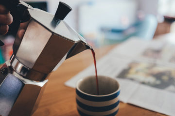 Galateo caffè le regole per servilo